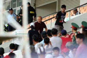 U.21 tuyển chọn Việt Nam thua phút bù giờ trong ngày thầy Park dự khán