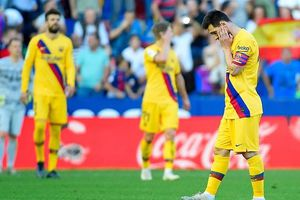 Real Madrid lỡ bước trong ngày Barcelona thua thảm