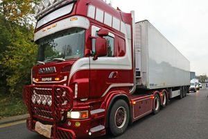 Dữ liệu định vị tiết lộ nóng về container chứa 39 thi thể ở Anh