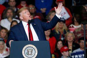 Ông Trump chế nhạo ứng viên Tổng thống bỏ cuộc