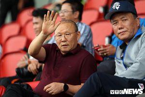 HLV Park Hang Seo xem U21 Việt Nam đấu Sinh viên Nhật Bản