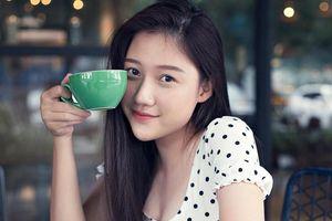 Nhan sắc tuổi 20 của em gái Trấn Thành