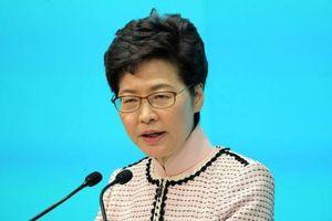 Đặc khu trưởng Hong Kong nán lại đại lục để họp với Bắc Kinh