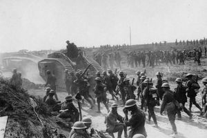 Cuộc giằng co không hồi kết giữa chiến tranh và tiền tệ
