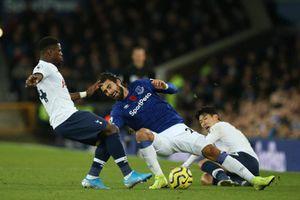 HLV Everton gọi chấn thương của Gomes là 'tình huống tồi tệ'