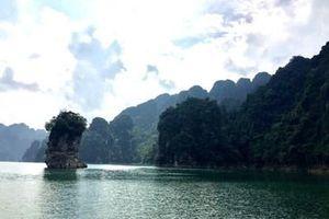 Hồ Na Hang - bức tranh thủy mặc