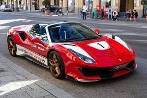 Ferrari 488 Pista Spider khoác áo siêu xe đua huyền thoại