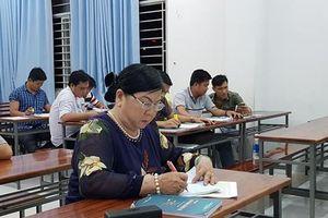 Tâm sự của nữ sinh viên đặc biệt, ngoài 60 vẫn thi đại học để giúp người nghèo