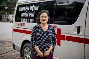 Người phụ nữ bỏ tiền túi mua xe cứu thương chạy miễn phí