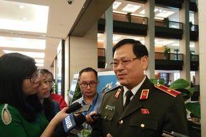 Tướng Nguyễn Hữu Cầu kể hành trình bắt 8 kẻ liên quan vụ 39 người chết ở Anh