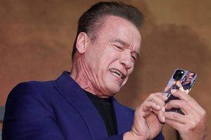 Huyền thoại 'Kẻ Hủy Diệt' lấy biểu tượng bất hủ làm ốp iPhone 11 siêu độc, chắc kèo dạo phố khỏi lo đụng hàng