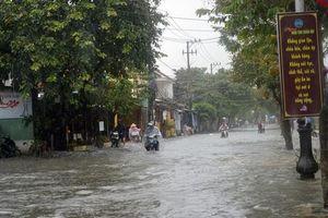 Khẩn trương chống mưa bão và kiểm soát dịch bệnh tại Trung bộ