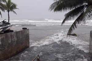 Đà Nẵng: Cấm lợi dụng tình hình mưa lũ để xả chất thải