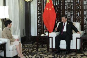 Chủ tịch Tập Cận Bình gặp gỡ lãnh đạo Hồng Kông: Một cuộc họp bàn, dập tan tin đồn