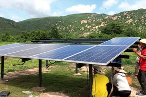 Phát triển điện mặt trời ở Việt Nam: Xây dựng cơ chế đấu thầu cạnh tranh