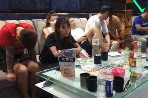 Phát hiện nhiều người nước ngoài dương tính với ma túy trong quán karaoke ở Đà Nẵng