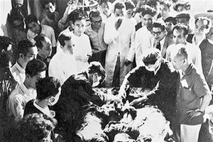 Chuyện ướp xác vua chúa trong 65 ngày qua bút ký người nước ngoài