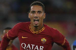 MU từ chối bán Chris Smalling cho AS Roma