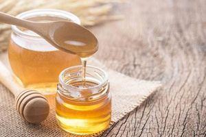 Giải mã nguyên nhân mật ong chảy thành dòng thay vì chảy nhỏ giọt