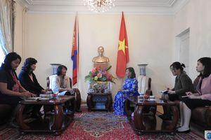 Tìm cánh cửa cho lao động Việt Nam làm việc tại Mông Cổ