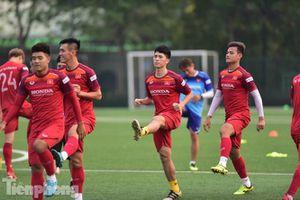 Đình Trọng tập luyện chính thức cùng U22 Việt Nam