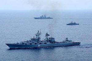 Infographic: Uy lực kinh người của tuần dương hạm Varyag của Nga