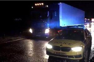 Cảnh sát Anh lại phát hiện xe tải chở 15 người nhập cư bất hợp pháp