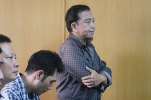 Nghệ sĩ hài Hồng Tơ hầu tòa vì tội đánh bạc: Bị cáo không thành khẩn, khai báo quanh co