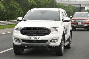 Chevrolet Trailblazer, Ford Everest giảm giá cả trăm triệu
