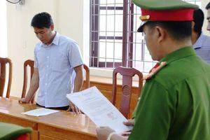 Bắt nguyên Trạm trưởng Kiểm lâm Thượng Trạch, Quảng Bình
