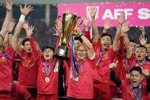 Chủ tịch AFF khen ngợi bóng đá Việt Nam hết lời