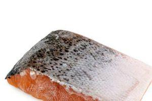 Cá hồi hun khói đông lạnh bị thu hồi vì có nguy cơ gây ngộ độc chết người
