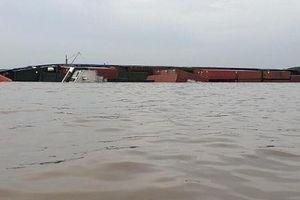 Doanh nghiệp, hãng tàu kêu trời vì ảnh hưởng từ sự cố chìm tàu