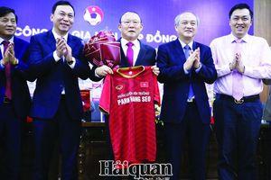 HLV Park Hang Seo gia hạn hợp đồng với VFF: Sẽ viết tiếp kỳ tích