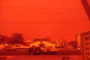 Cháy rừng tại Australia khiến bầu trời chuyển màu da cam