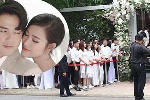 Người hâm mộ nô nức tới đưa Đông Nhi về nhà chồng