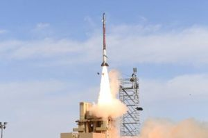 Israel 'lo sốt vó' khi tên lửa tối mật rơi vào tay Iran