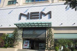 Thời trang NEM nói không biết đơn vị nhập 4 tấn quần áo ngoại cắt mác