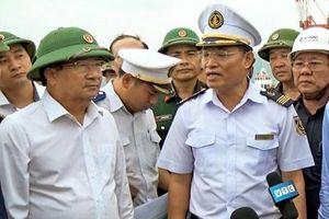 Phó thủ tướng Trịnh Đình Dũng kiểm tra công tác phòng, chống bão số 6 tại tỉnh Bình Định