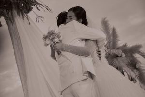 Khoảnh khắc ngọt ngào và xúc động trong lễ cưới Đông Nhi - Ông Cao Thắng