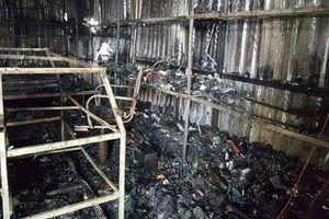 Ninh Bình: Hơn 30 ki ốt tại chợ Gián Khẩu bị lửa thiêu rụi