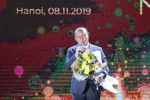 Thuyền trưởng tuyển Việt Nam phát biểu đầy cảm động khi được vinh danh ở AFF Awards 2019