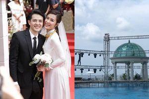 Rò rỉ không gian tiệc cưới đẹp lung linh của Đông Nhi - Ông Cao Thắng tại bãi biển Phú Quốc