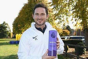 Vượt Klopp, Lampard có danh hiệu đầu tiên tại Ngoại hạng Anh