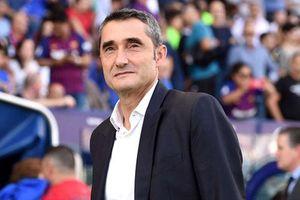 Lãnh đạo Barca ủng hộ, HLV Valverde không lo bị sa thải