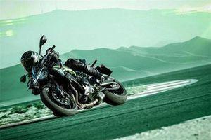 2020 Kawasaki Z900 mới thêm kiểm soát độ bám đường, màn hình LCD màu sắc