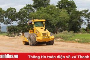 Trên công trường thi công dự án đường từ TP Thanh Hóa đi Cảng Hàng không Thọ Xuân