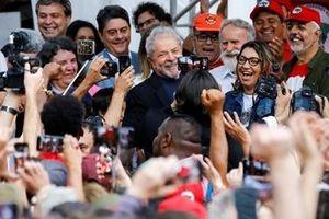 Cựu Tổng thống Brazil được trả tự do sau 19 tháng giam giữ