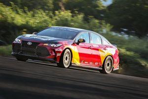Toyota Avalon TRD Pro Concept: 'Hô biến' sedan thành xe đua