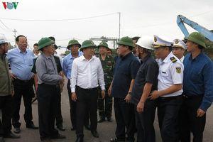 Phó Thủ tướng: Không để người dân ở lại thuyền khi bão về